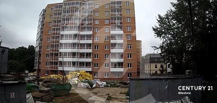 Продается однокомнатная квартира, две лоджии.