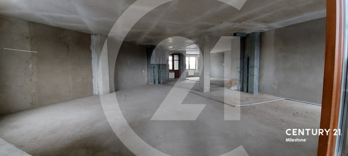 Продам 3 комнатную квартиру. Общая площадь 155 кв.м.