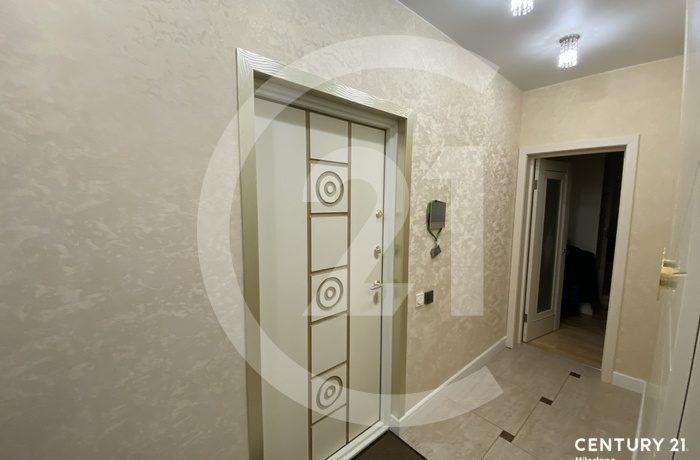 В экологически чистом западном округе продаётся 5-комнатная квартира