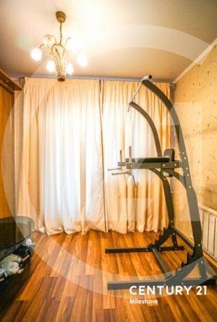 Продаем замечательную просторную 5 комнатную двухуровневую квартиру
