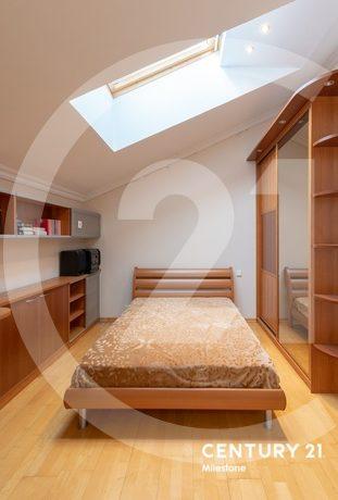 Квартира с мансардой !!!!
