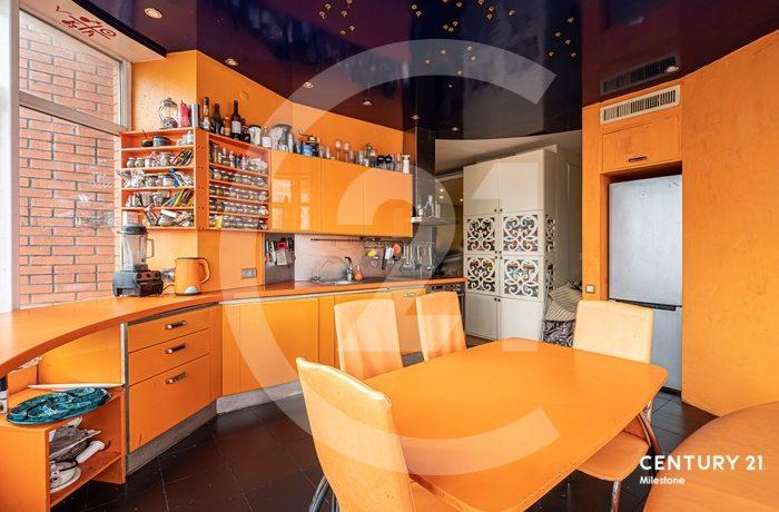 Продается стильная квартира с дизайнерским ремонтом