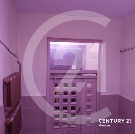 Продаётся просторная 3комн. кварт. в кирпичном доме