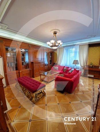 Предлагаем Вашему вниманию очень просторную и уютную квартиру