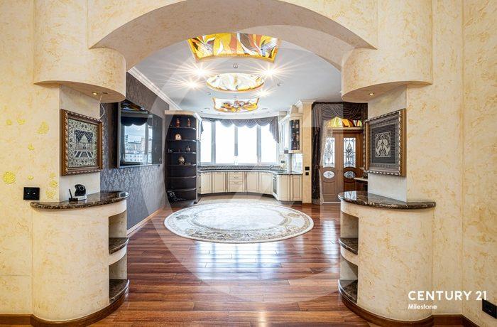Предлагаем Вашему вниманию просторную и уютную 3-х комнатную квартиру