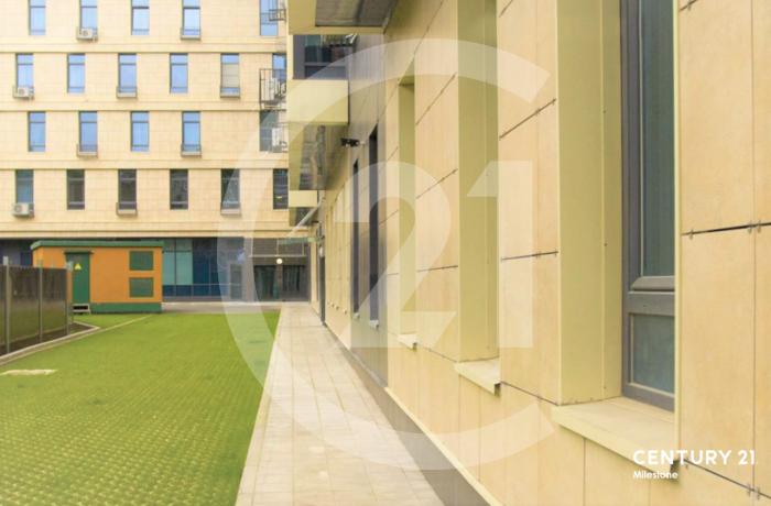 Светлый апартамент с панорамными окнами