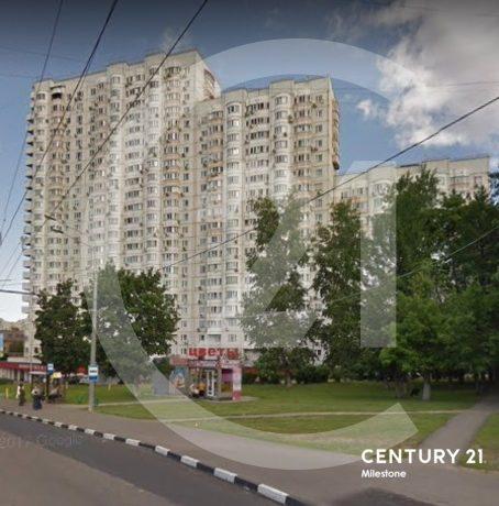 Сдаётся 4 комн. квартира в районе с развитой инфраструктурой