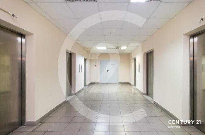 Продается 4й этаж в бизнес центре