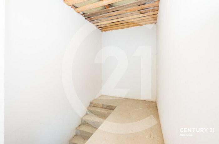 Продается коттедж пл.486 кв.м. на участке 7сот.